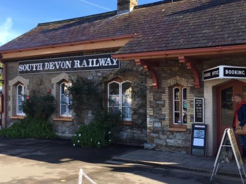 South Devon Railway - Steam Railway Journey between Buckfastleigh and Totnes